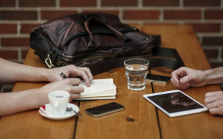 Why your device and your charger should talk over BLE