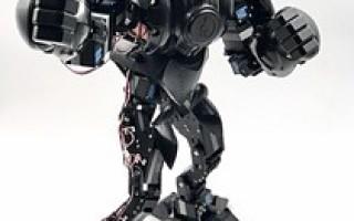 Pilot Labs Announces the Moorebot Zeus Battle Robot